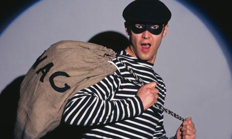 A-burglar-006